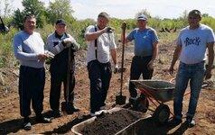 Общество «Триумф» активно занимается озеленением поселка Переволоцкого